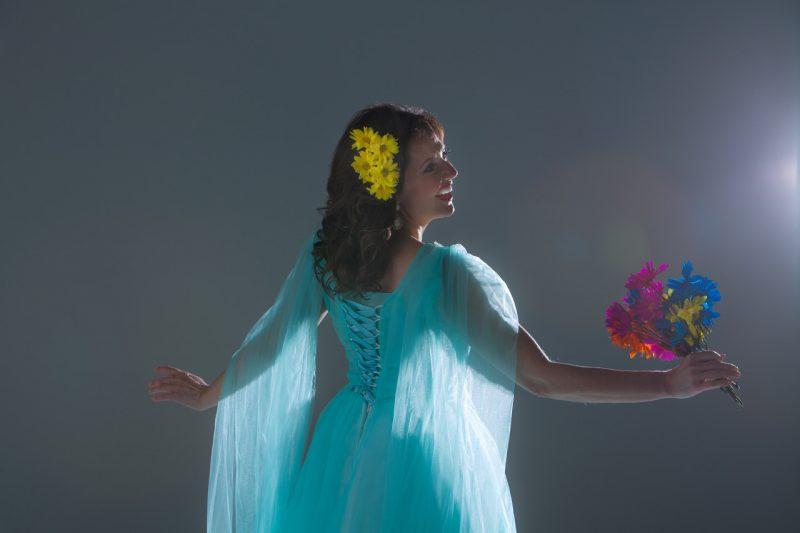 Photo of Elizabeth Montgomery in light aqua dress